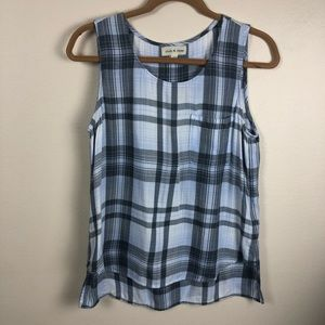 Cloth & Stone front pocket blue plaid high low top